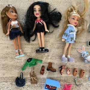 Mini Bratz dolls + accessories